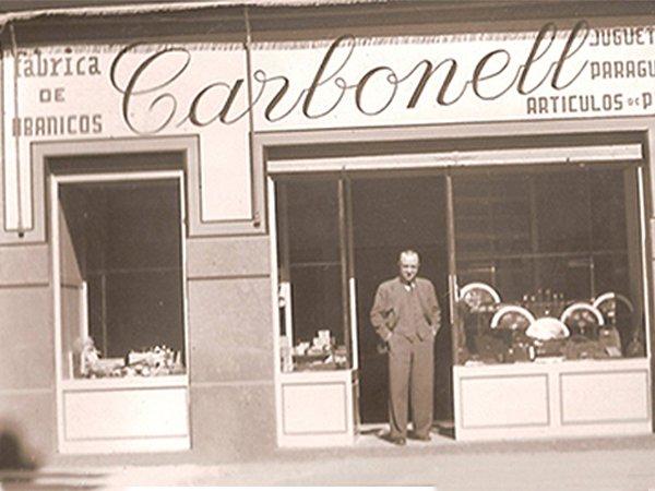 Fachada tienda y fábrica Abanicos Carbonell